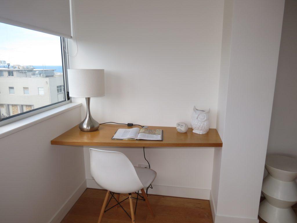 desk 2 evans