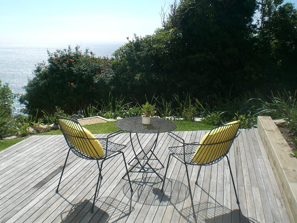 wire outdoor yellow cushions
